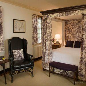 дизайн интерьера спальни в колониальном стиле