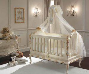 кроватка в стиле барокко
