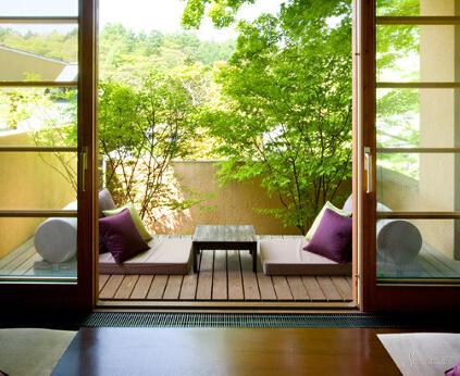 Балкон в японском стиле.