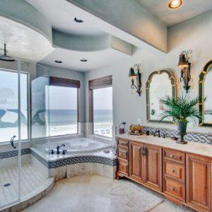 интерьер ванной комнаты в колониальном стиле